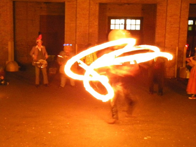ee fire spinning team, chicago
